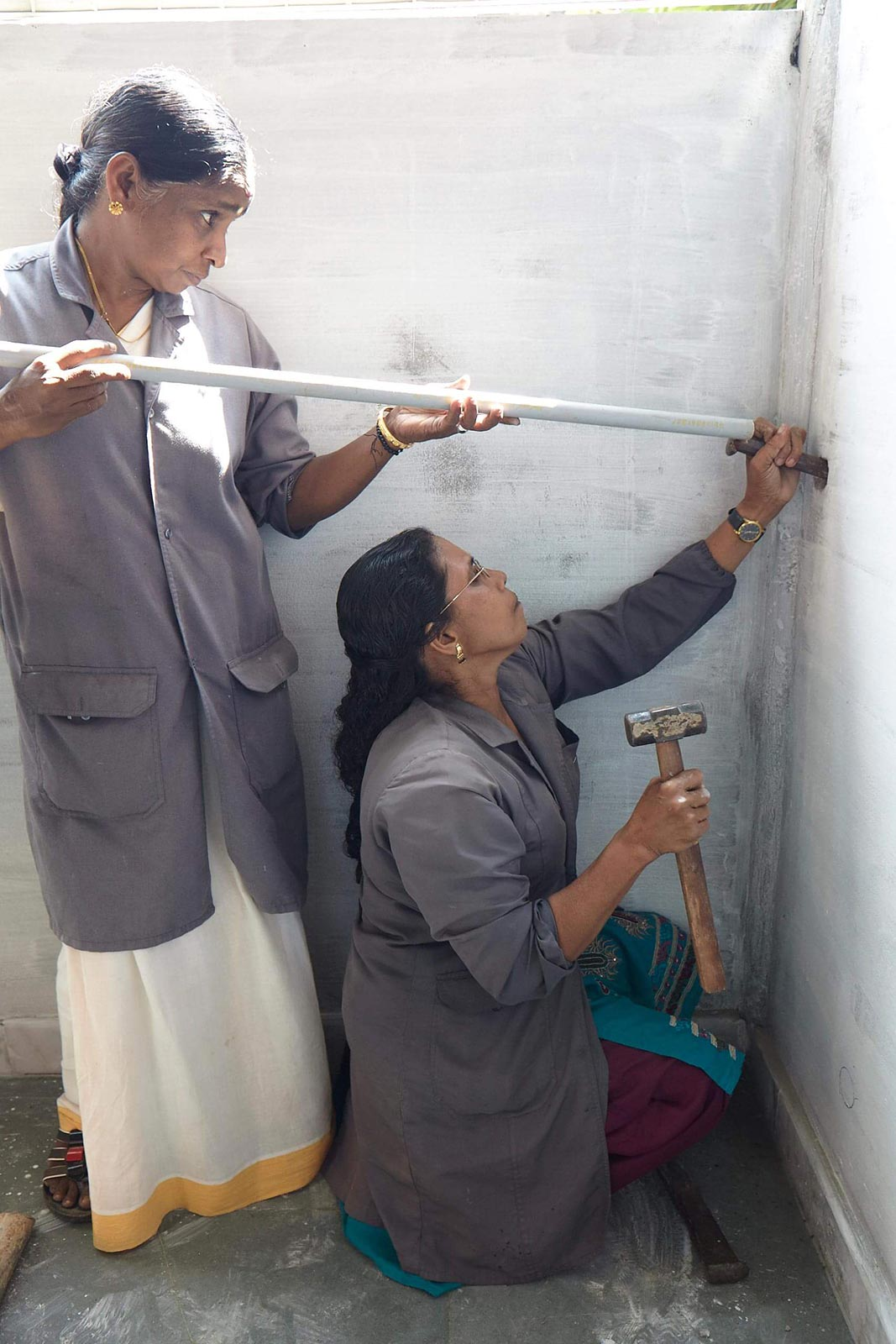 2 women plumbers